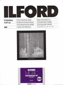 ILFORD MG V Deluxe 18x24/100 ( pearl )