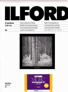 ILFORD MG V Deluxe 18x24/100  satyna