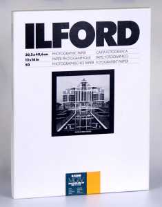 ILFORD MG IV Deluxe 30x40/50 25 M (satyna)